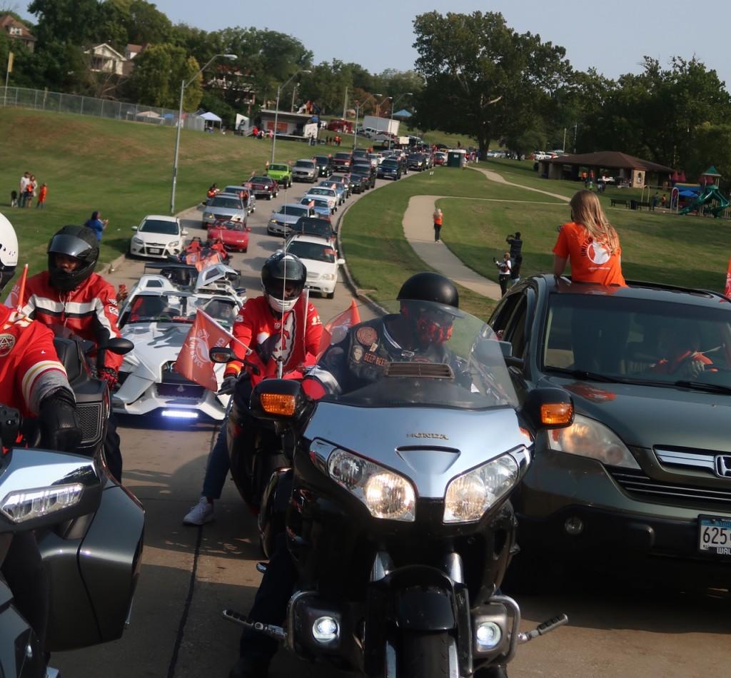 První mírová jízda v Kansas City spojuje komunitu, aby ukončila násilí.