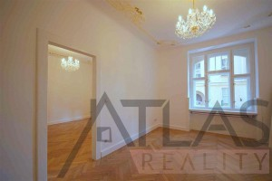 Beautiful rooms and chandeliers - For Rent; 2-bedroom Apartment (115m2), Prague 1 - Josefov