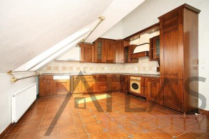 Beautiful kitchen - Duplex Apartment for rent 3 bedrooms, 239m2, Praha 2 - Vinohrady, Chorvatská str.