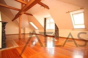 Incredible living area - Duplex Apartment for rent 3 bedrooms, 239m2, Praha 2 - Vinohrady, Chorvatská str.