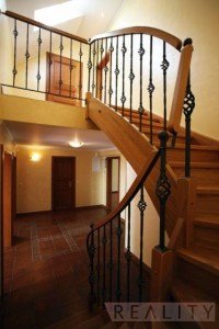 Duplex apartment - wooden staircase - Duplex Apartment for rent 3 bedrooms, 239m2, Praha 2 - Vinohrady, Chorvatská str.