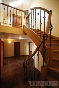 Duplex apartment - wooden staircase - Duplex Apartment for rent 3 bedrooms, 239m2, Praha 2 - Vinohrady, Chorvatská str.