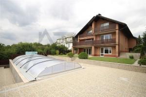 Pronájem prostorné vily 8+1, 473m2, bazén, sauna, dvougaráž, Praha 6 - Lysolaje