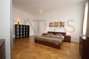 Spacious bedroom -  For Rent: Luxury furnished 2BDR apartment ( 4+1 ) 132 sqm, Biskupská str, Praha 1 - Nové Město