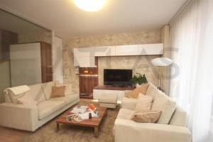 obývací pokoj - Pronájem zařízeného rodinného domu 5+kk, 146 m2, Dělená ulice, Praha 5 - Řeporyje