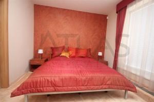 Ložnice - Pronájem zařízeného rodinného domu 5+kk, 146 m2, Dělená ulice, Praha 5 - Řeporyje
