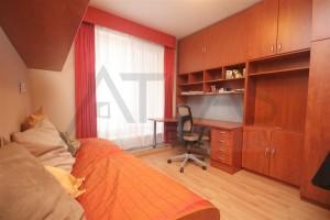 Pracovna - Pronájem zařízeného rodinného domu 5+kk, 146 m2, Dělená ulice, Praha 5 - Řeporyje