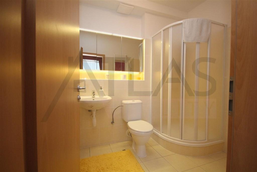 Pronájem bytu 2+kk, 44 m² Praha - Komořany, U vlečky