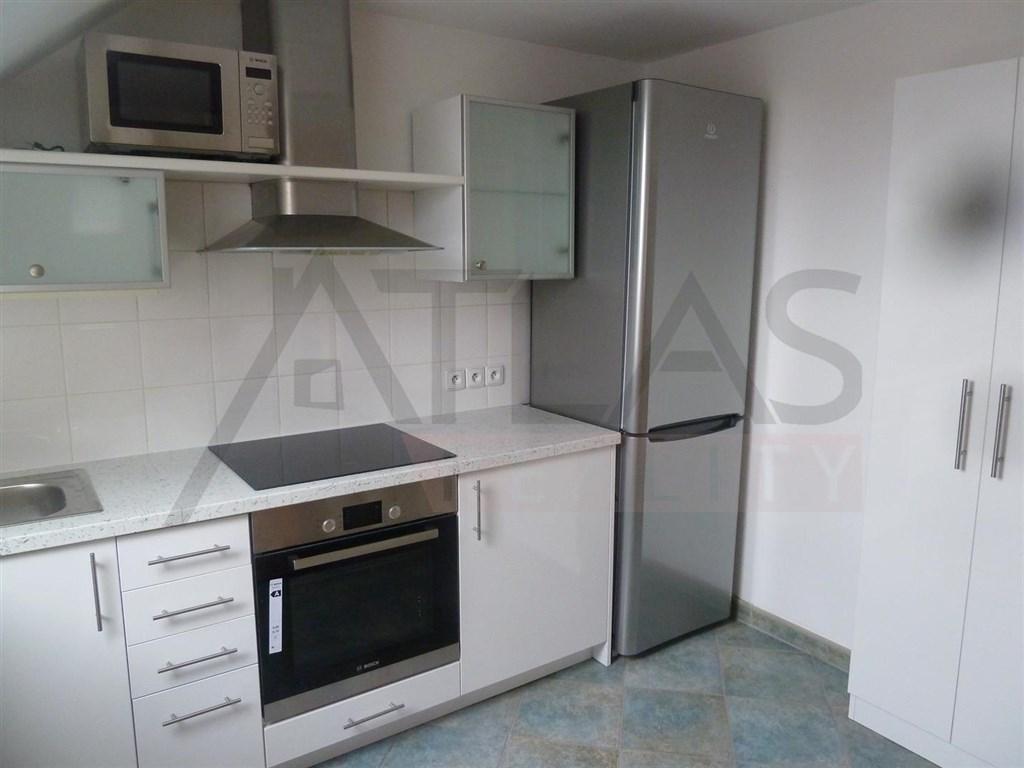 Pronájem bytu 2+kk, 43 m² Praha - Prosek, Prosecká