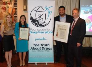 Meghan Fialkoff, ředitelka organizace Svět bez drog (Drug-Free World New York), pomáhá dospívajícím najít bezpečné místo pro život bez drog