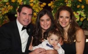 hollywoodský herec John Travolta a rodina - Kelly Preston, Benjamin, Ella Bleu