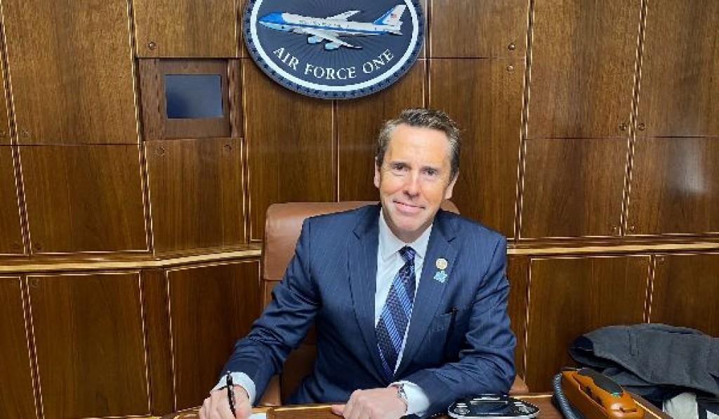 Mark Walker cestuje s prezidentem Donaldem J. Trumpem na Airforce One, aby se zúčastnil příležitosti na setkání v Charlotte