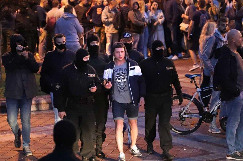 Postupné dávkování represí. Třetí týden politické krize v Bělorusku