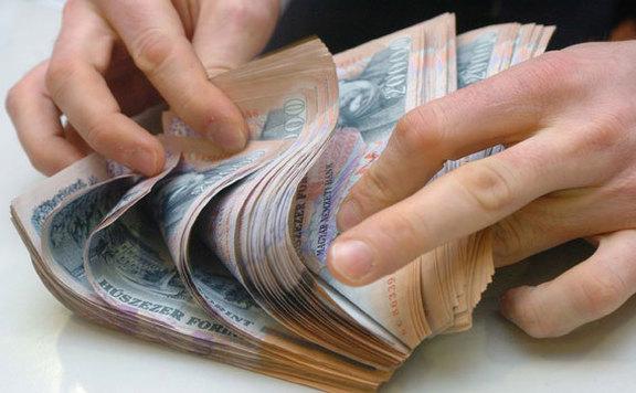 Během civilní vlády se minimální mzda zvýšila o 128 procent a zaručená minimální mzda o 145 procent