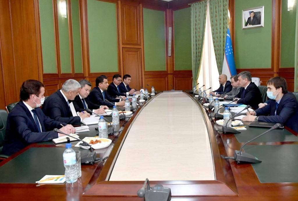 politické konzultace mezi Uzbekistánem a Ruskem